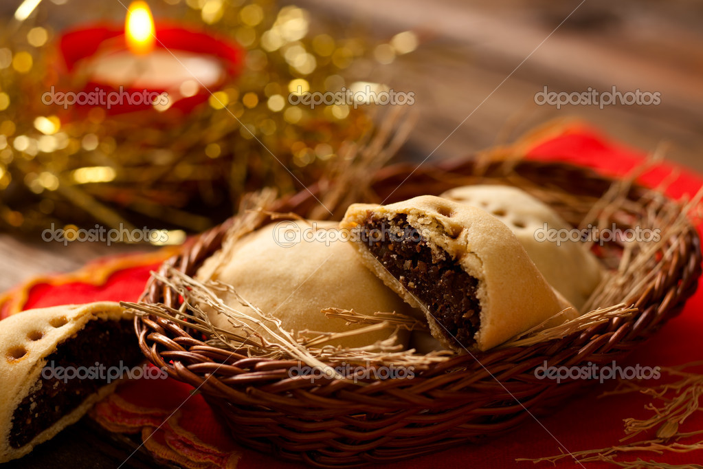 Cuscinetti di Gesù Bambino (Baby Jesus' Little Pillows), a Typical Christmas Food from Apulia, Italy — Stock Photo #10800594