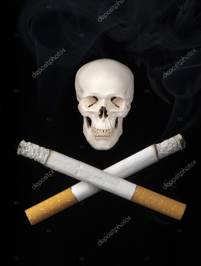 Two cigarettes replace the usual crossbones symbolizing the dangers of smoking. — Stock Photo #10490585