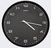 Reloj negro — Stock Photo