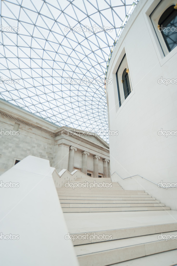 Inside the Brittish museum — Stock Photo #10642552