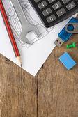 Penna och blyerts, kalkylator på utarbetandet — Stockfoto