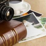 álbum de fotografia e câmera velha — Foto Stock