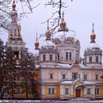 Orthodoxe Zenkov cathedral in Almaty, Kazakhstan, Central Asia, — Stock Photo