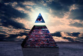 Illuminati pyramid — Stock Photo