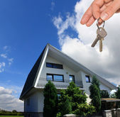 Key to own home and realtor work — Stock Photo