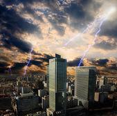 Orage d'apocalypse dans la ville — Photo