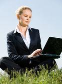 Businesswoman outdoor — Stock Photo