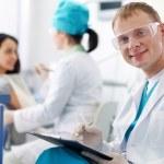 przyjazny dentysta — Zdjęcie stockowe