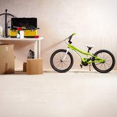 горный велосипед и оборудование — Стоковое фото
