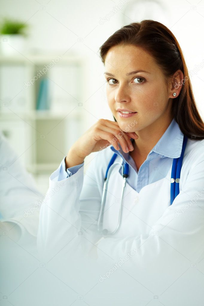 Portrait of confident female doctor looking at camera in hospital — Stock Photo #10733822