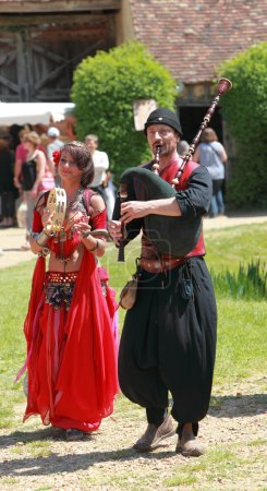Постер, плакат: Medieval Oriental entertainers, холст на подрамнике