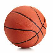 Basketbalový míč nad bílým pozadím
