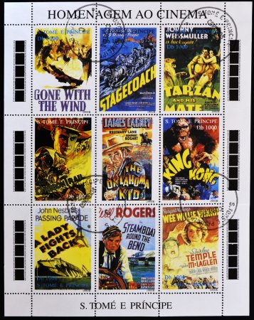 Постер, плакат: Homage to the movies shows movie posters, холст на подрамнике