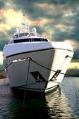 Sunseeker Yacht zu dbis