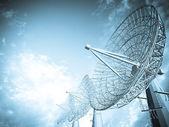 Satelitní anténa