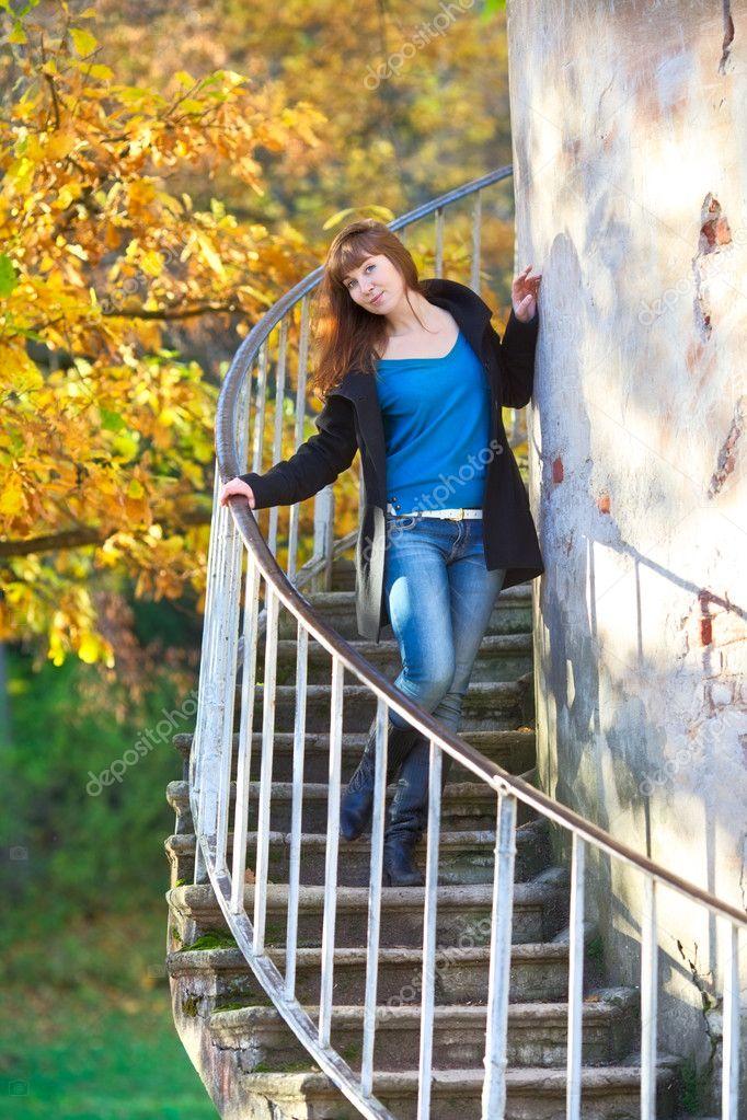 Секс у лестницы на природе 9