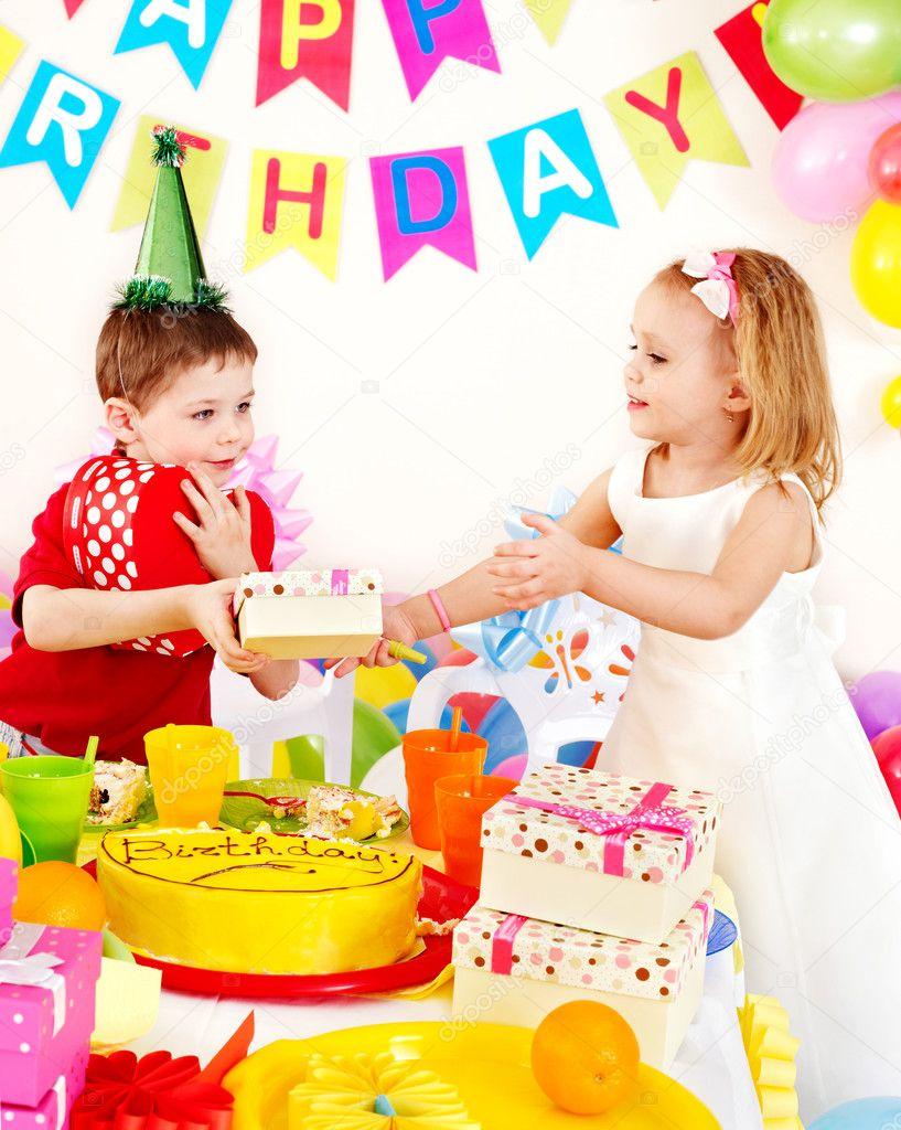Gyermek születésnapi party házigazda etikett