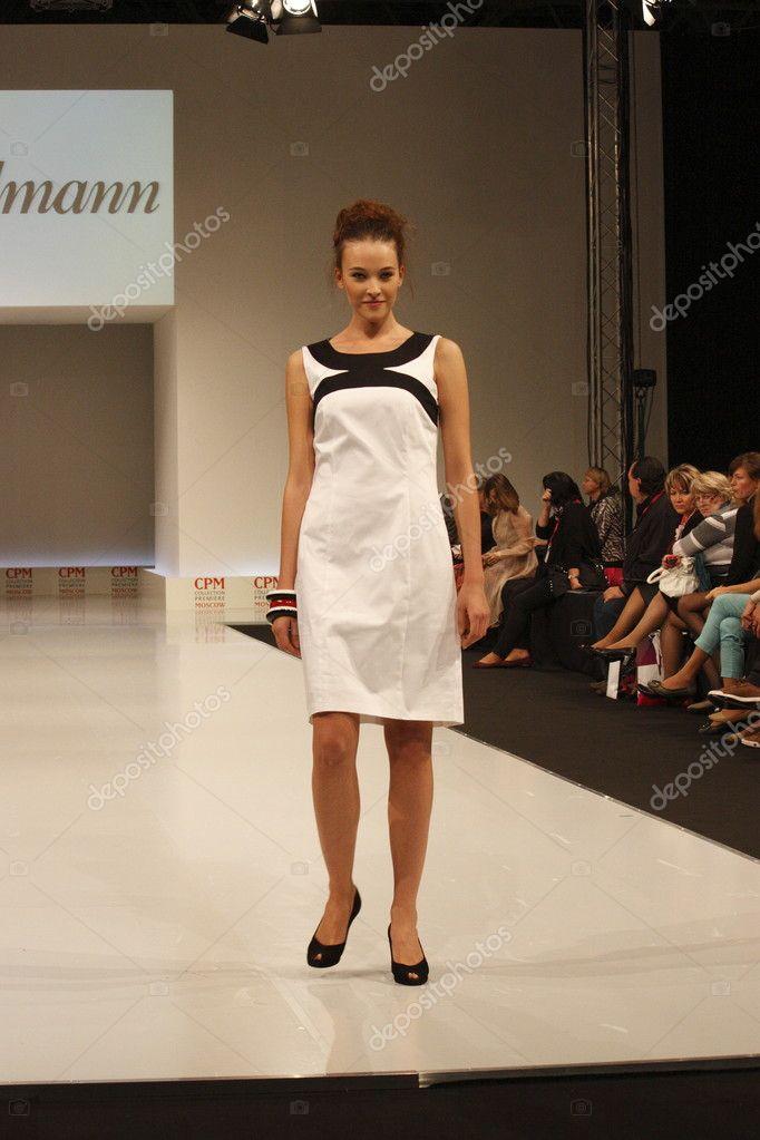 Показ мод женщин 6
