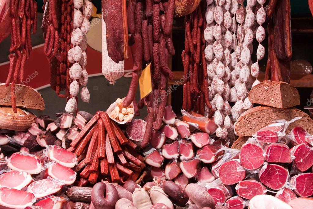 оформление витрины магазина мясные деликатесы фото счаслива сім'я, машина