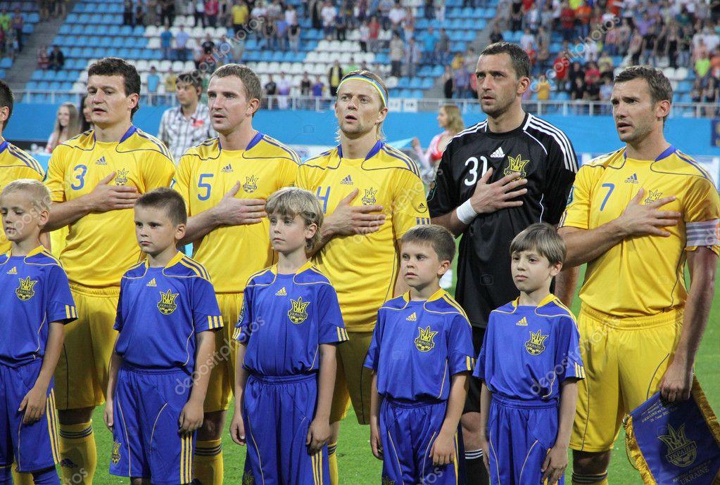 Risultati immagini per ucraina calcio inni nazionali