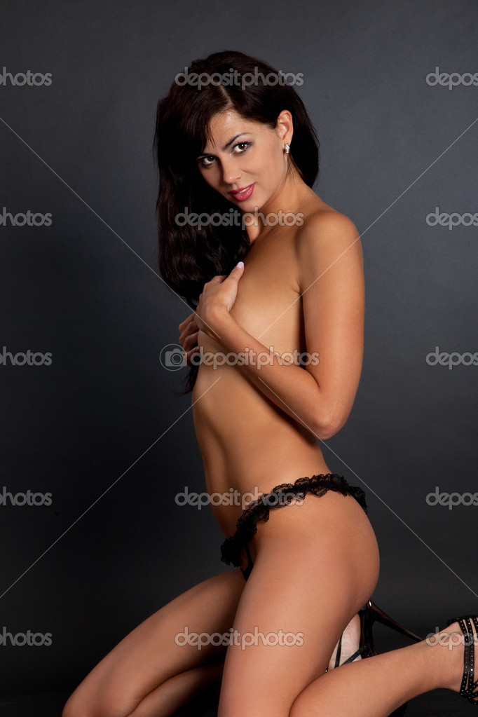 sexy pics van naakt Zwarte lesbische Pis