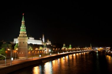 Night view of the Moskva River