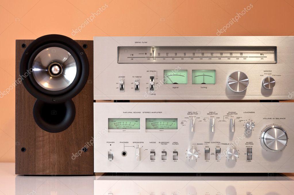 Impianto stereo hifi con amplificatore sintonizzatore radio e altoparlanti foto stock - Impianto stereo per casa bose ...
