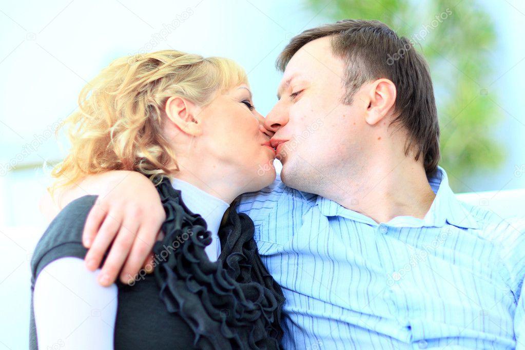 муж ест свою сперму с жены