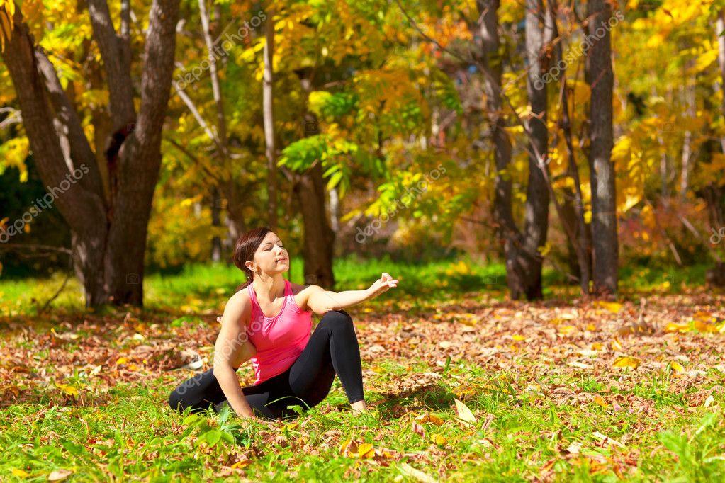 Yoga eka pada yoga dandasana pose