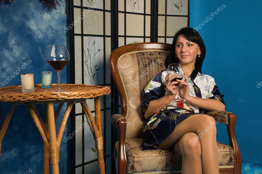 женщины в халатах галерея фото