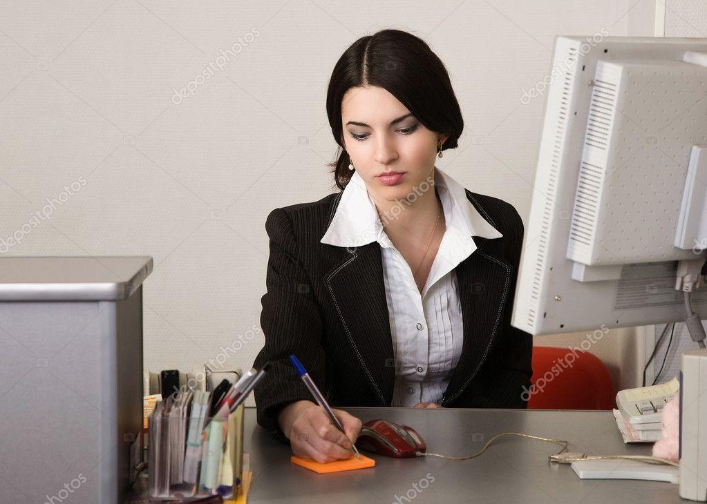 секретарши офисное фото