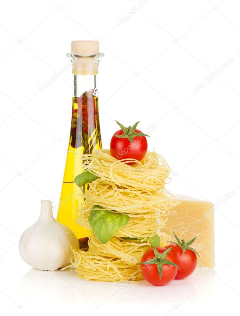 Pates Tomates Basilic Huile D Olive Ail Et Parmesan