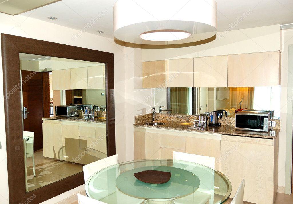 Interior de cocina en villa de lujo isla de tenerife for Cocinas de lujo madrid