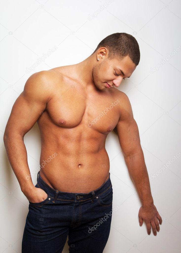 Потный сексуальный мужчина