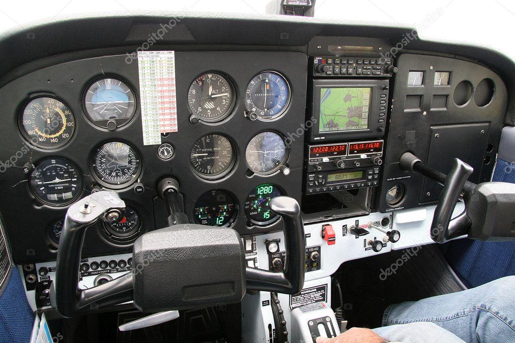 cabina di pilotaggio di un aereo piccolo foto stock