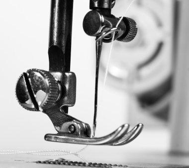 Sewing machine neddle