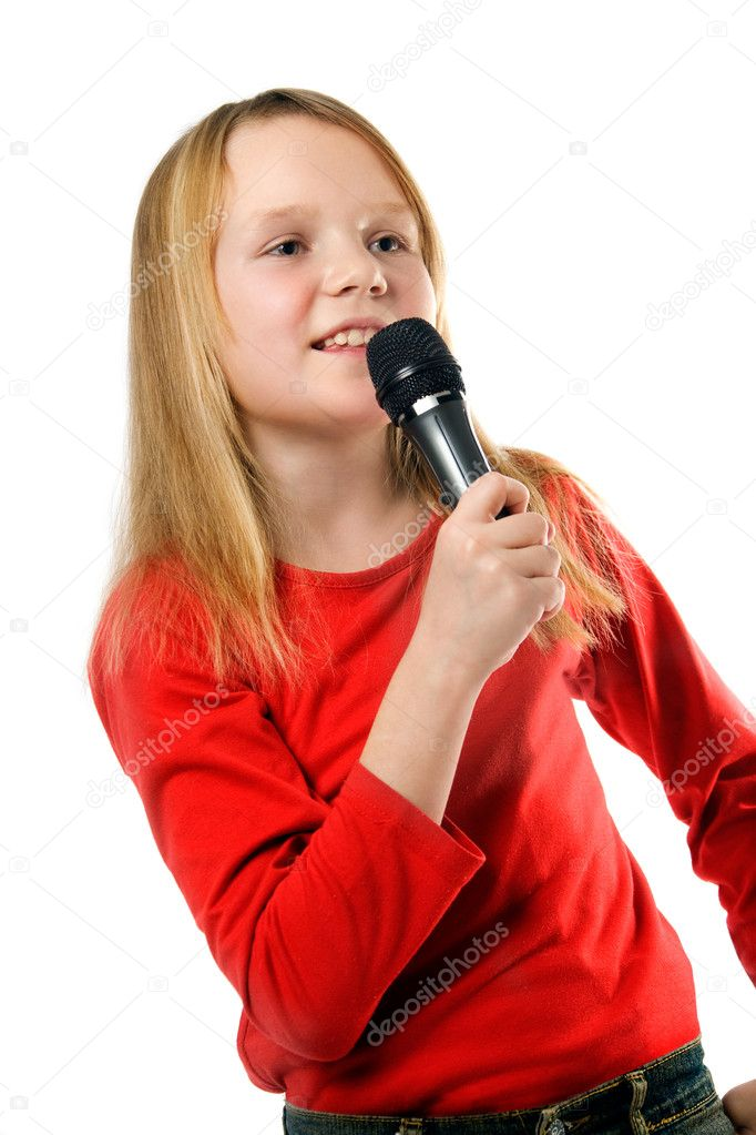 girl-singing-little-flower-girls-submitted