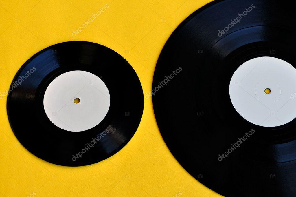 Ongekend Vinyl records Lp und single — Stockfoto © sirylok #10620107 GH-42