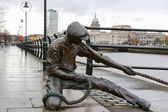 Fotografie The Linesman statue. Dublin, Ireland