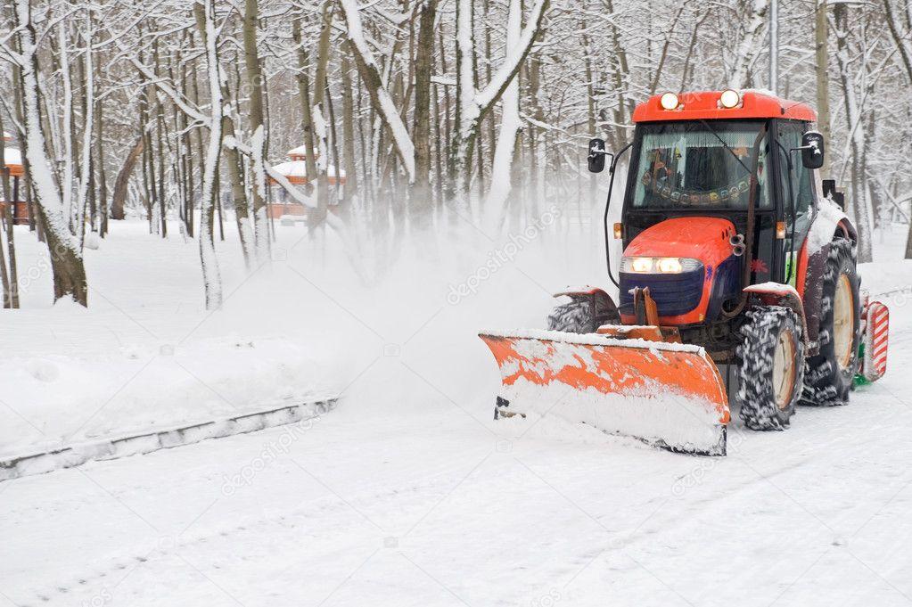 250 тысяч кубометров снега вывезли с улиц Санкт-Петербурга за первую неделю 2019 года.