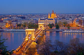 Budapesti Lánchíd skyline