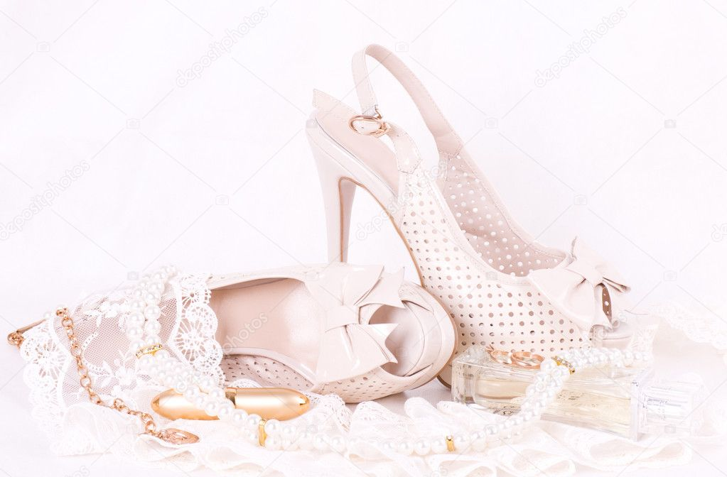 1cfe22964f6c59 The beautiful bridal shoes