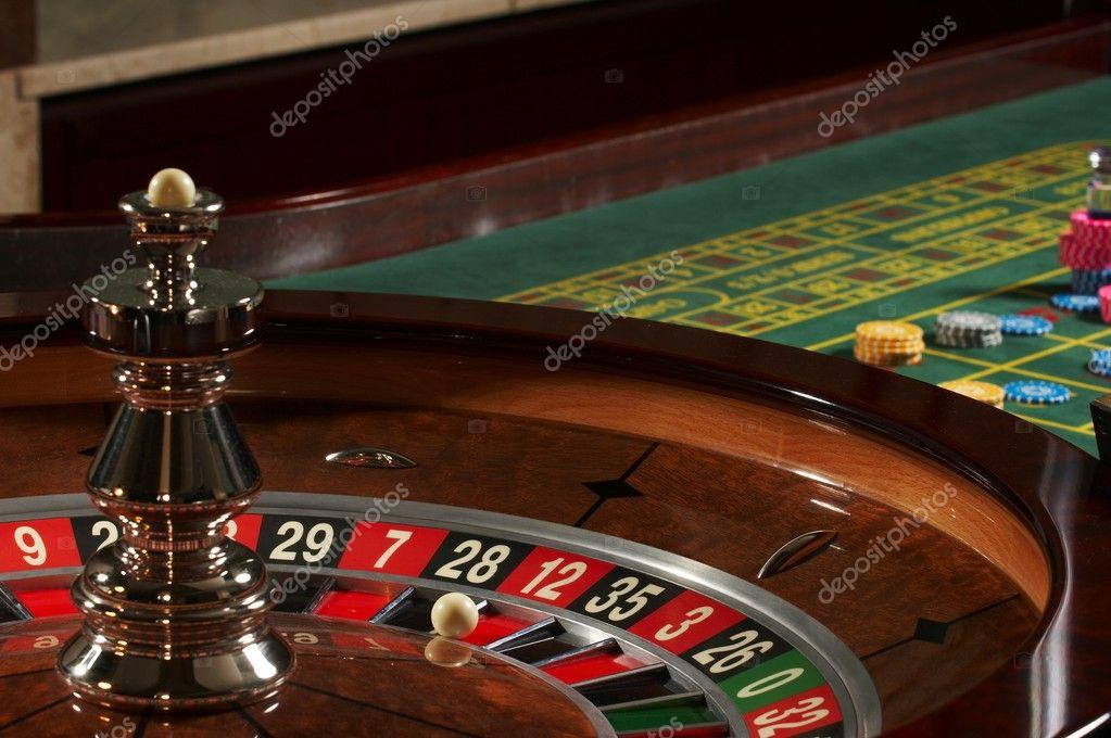http://static8.depositphotos.com/1003821/1053/i/950/depositphotos_10530383-Roulette-casino.jpg