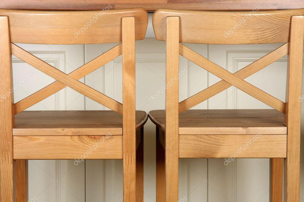 Bartheke Stuhl und Küche aus Holz — Stockfoto © vladacanon #8809232