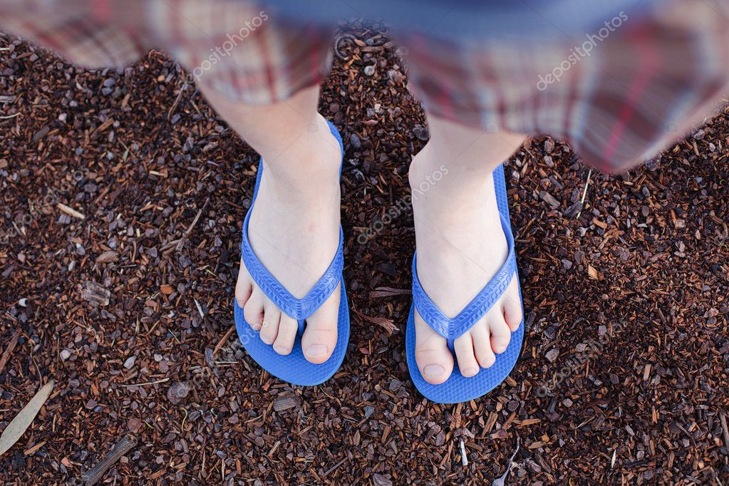 flip flops do not fit politicians The tape should fit comfortably—not too loose, not too tight  rubber flip flops rated 47 out of 5 stars 47 (159) write a review clear size filter sort sort.