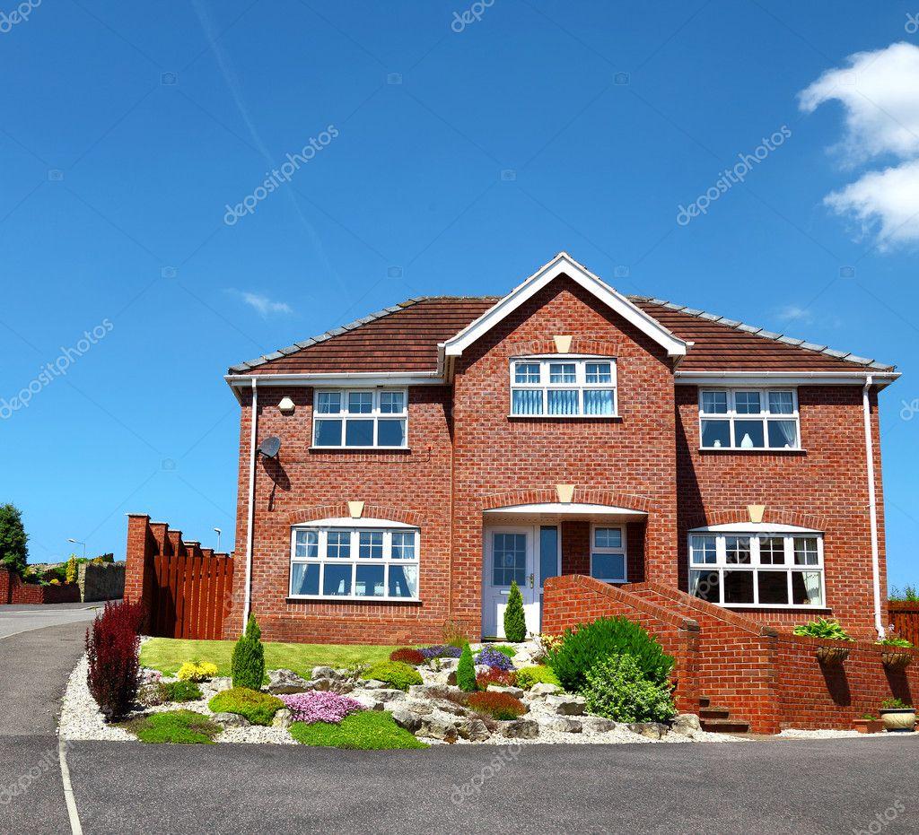 maison de briques rouges en anglais ventana blog. Black Bedroom Furniture Sets. Home Design Ideas
