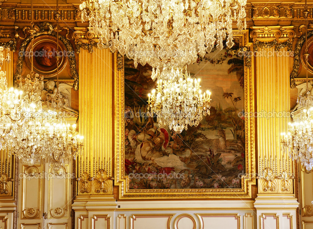 Chandeliers, gold and tapisserie