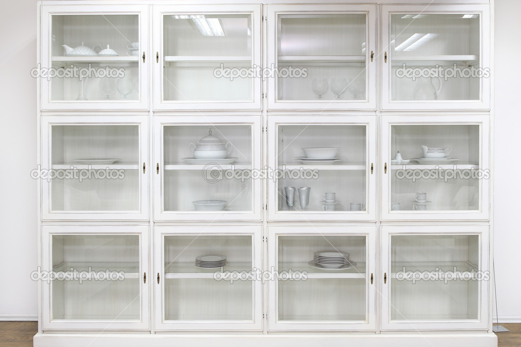 Kast Met Glazen Deuren.Glazen Kast Stockfoto C Baloncici 8700621