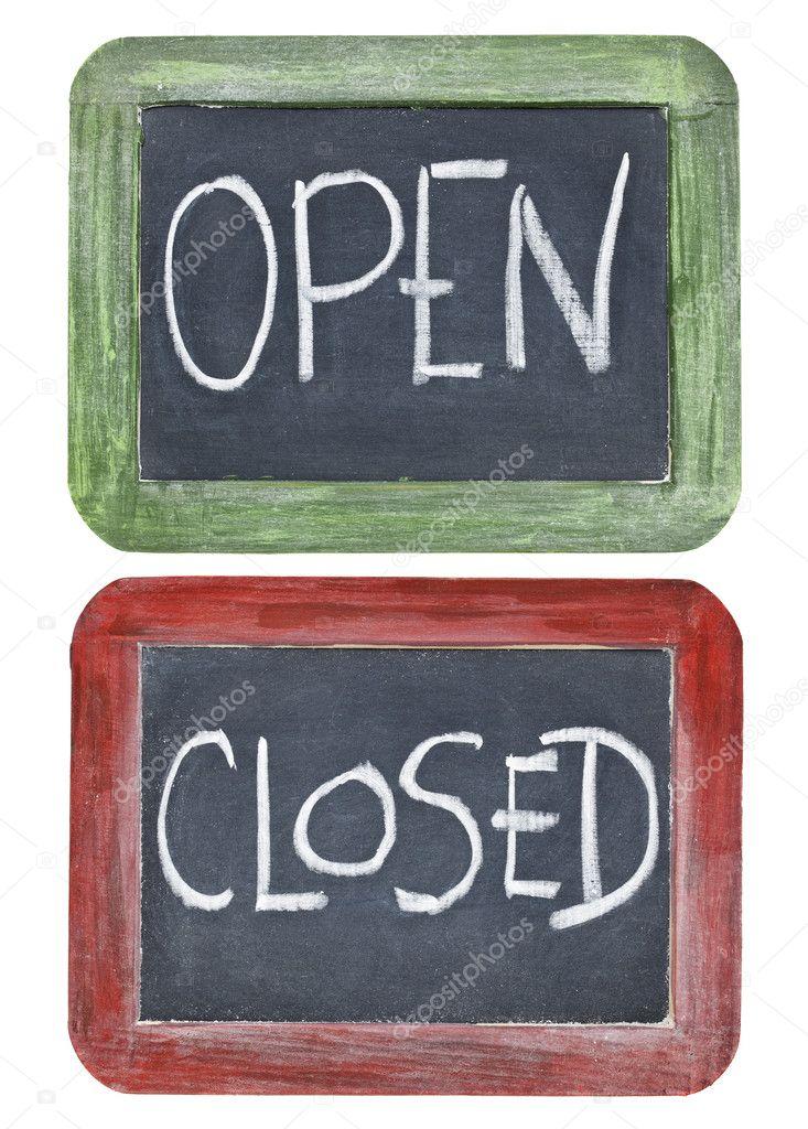 abiertos y cerrados en pizarra — Fotos de Stock © PixelsAway #8933235