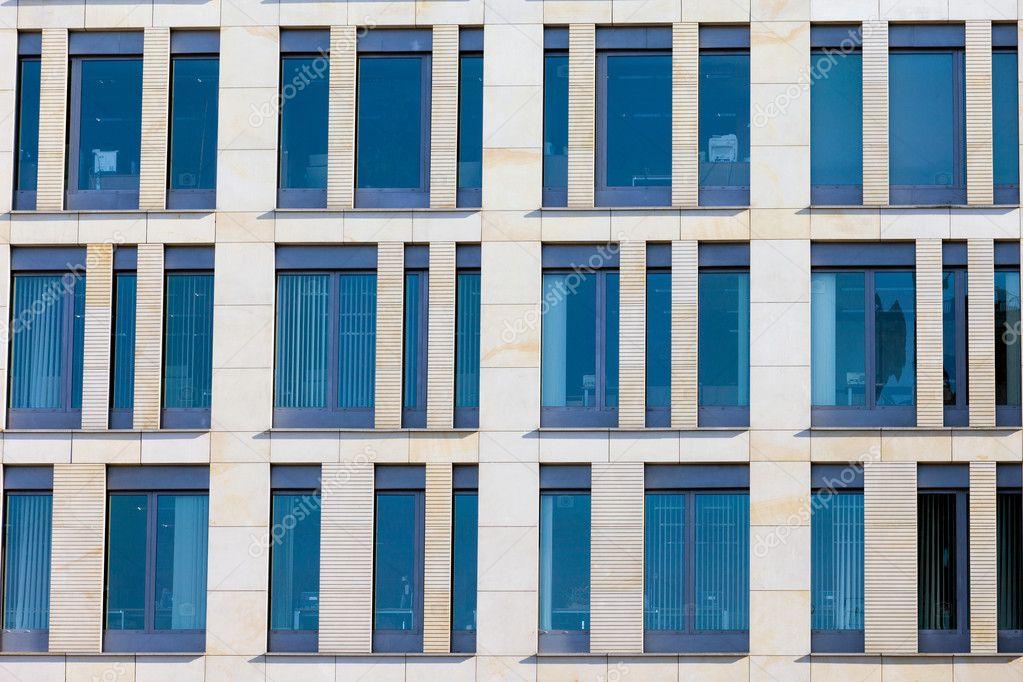 Fassade bürogebäude  Büro-Gebäude-Fassade — Stockfoto #9442135